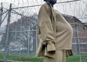 pregnantwomaninprison-a